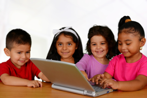 children_using_a_refurbished_computer1-resized-600